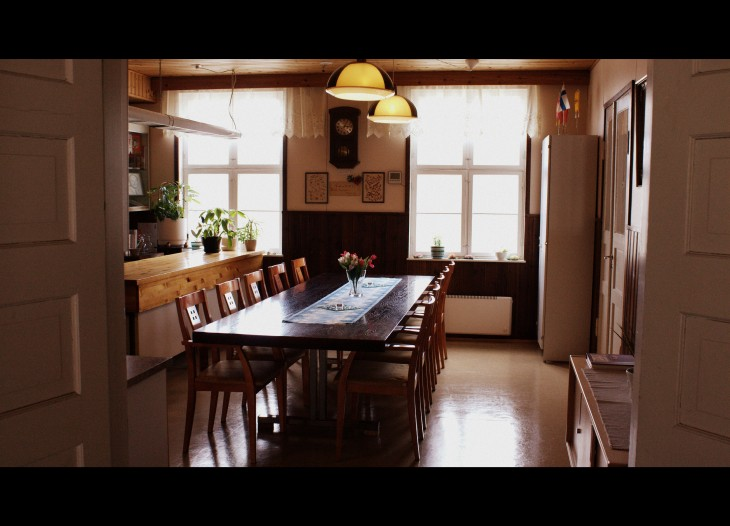 Otalammen työväentalon kahviossa järjestät pienemmät kokoukset Uudellamaalla Vihdissä edullisesti.