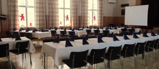 Juhlasalissa on runsaasti tilaa niin ttä hääpaikka vetää jopa 120 vierasta